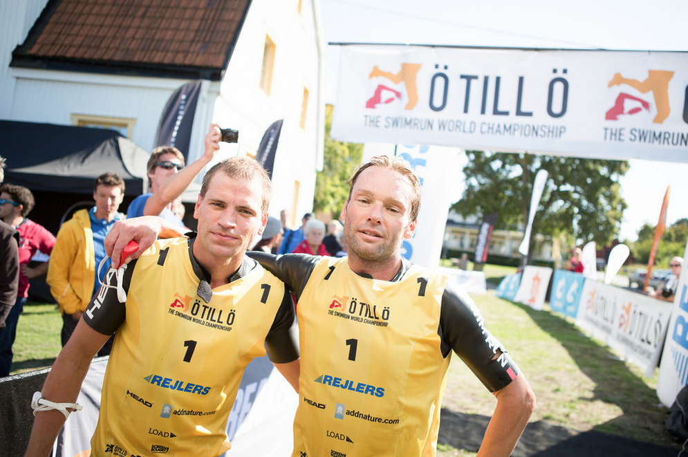 Team Head Swimming Björn Englund (l) and Paul Krochak (r) seconds after the finish