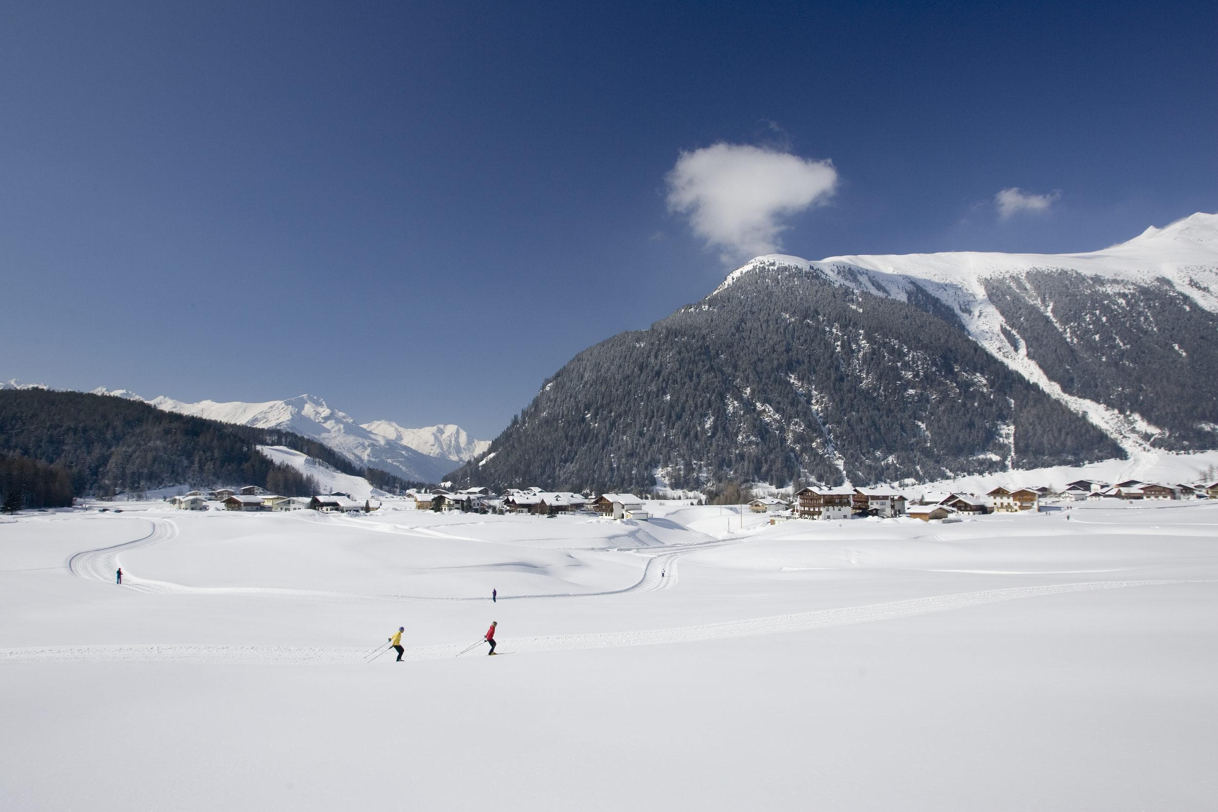 Niederthai Langlaufen Panorama.jpg