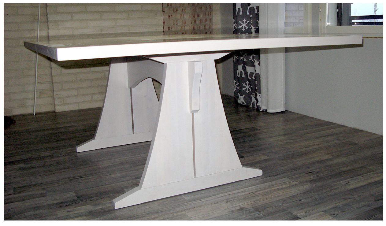 pöytä02.jpg