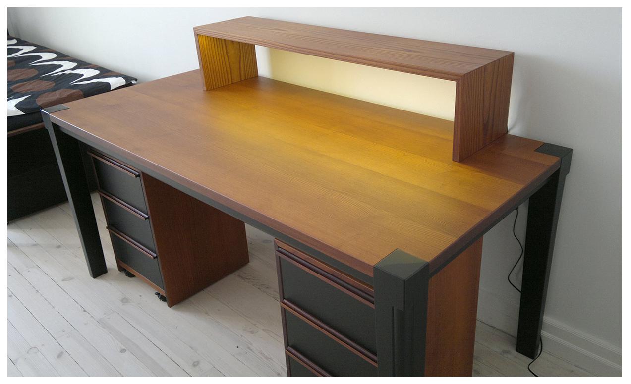 kirjoituspöytä03.jpg