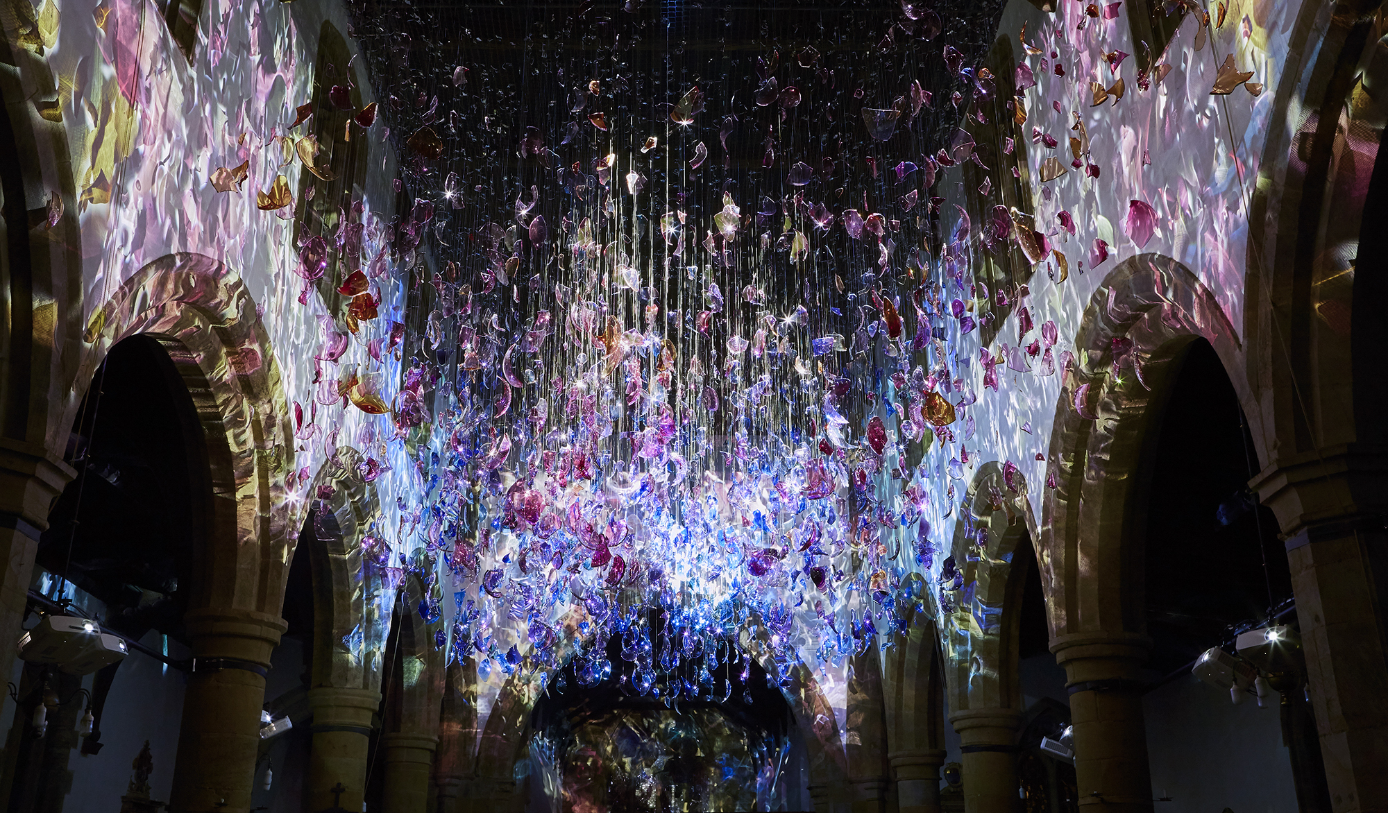 What Matters (The Scattering). 2300 suspended fragments of hand blown glass bubbles, steel,projectors. 2017