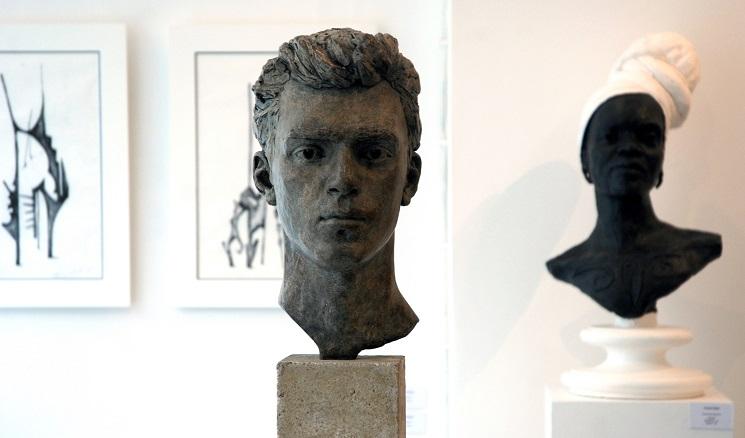 Emma-Elliott-portrait-sculpture.jpg