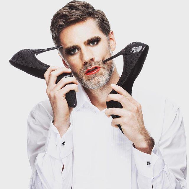 Editorial with @pierrescot  #creatives #menphotography #editorialshoot #editorialmodels #outofthebox #shoes #handsomeman #artistic #teamwork #editors #womenaccessories #fashion #fashionblogger #fashionmen #fashionstyle #fashiondesigner #magazineseditors #fashionforward #photographer #photoshoot