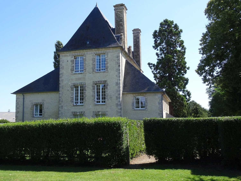 Chateau Turgot location gite près de falaise