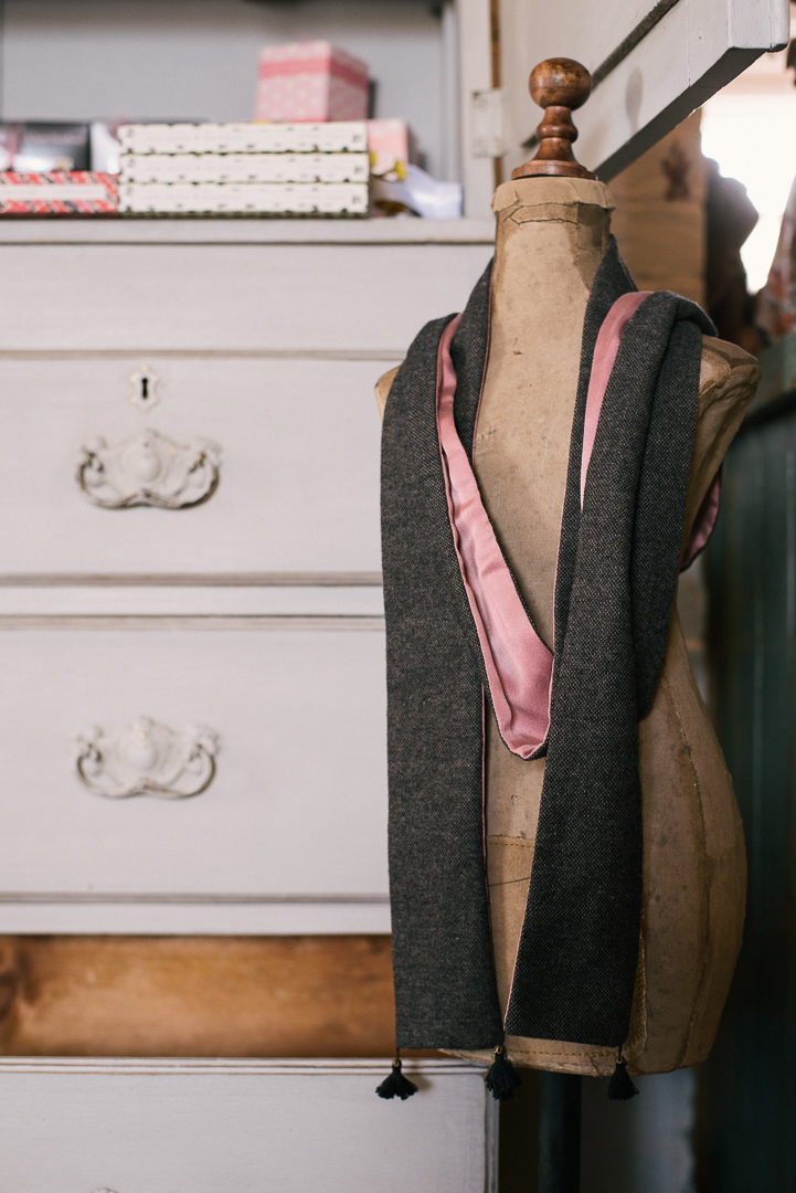 Pink silk and tweed scarf. - £46