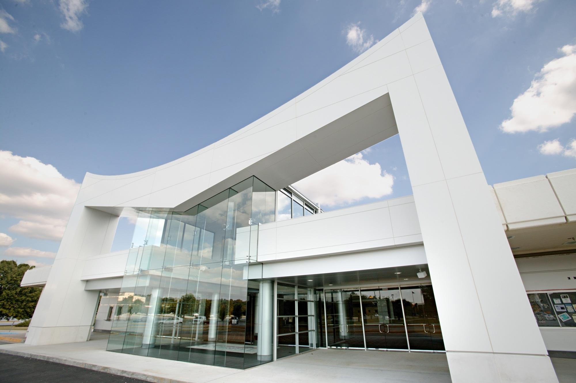 Coliseum facade new.JPG