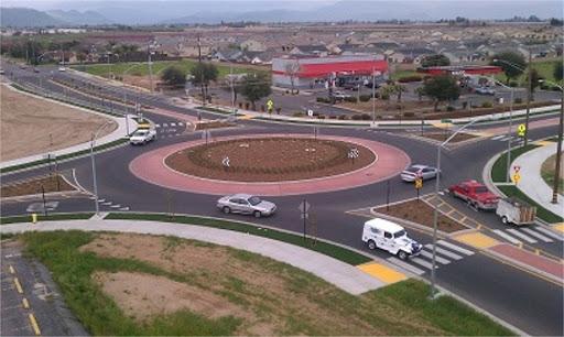 Reedley Roundabout.jpg