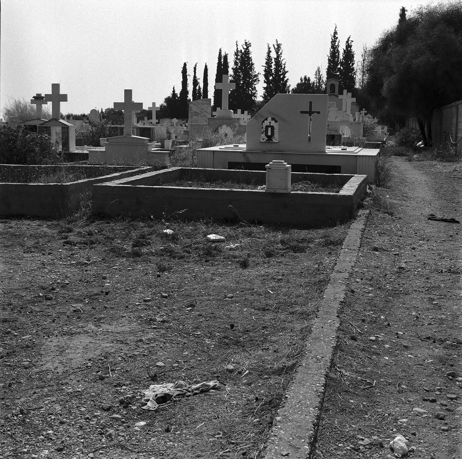 0006_my father's lands  cemetery .jpg
