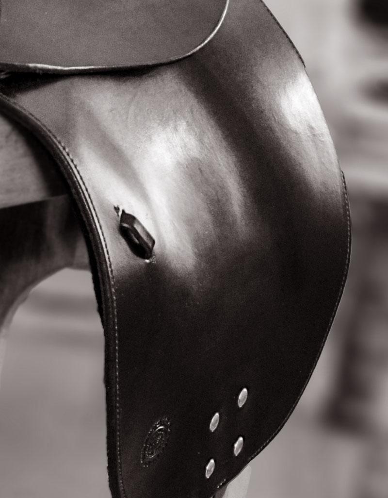 soft saddle dressage saddle detail