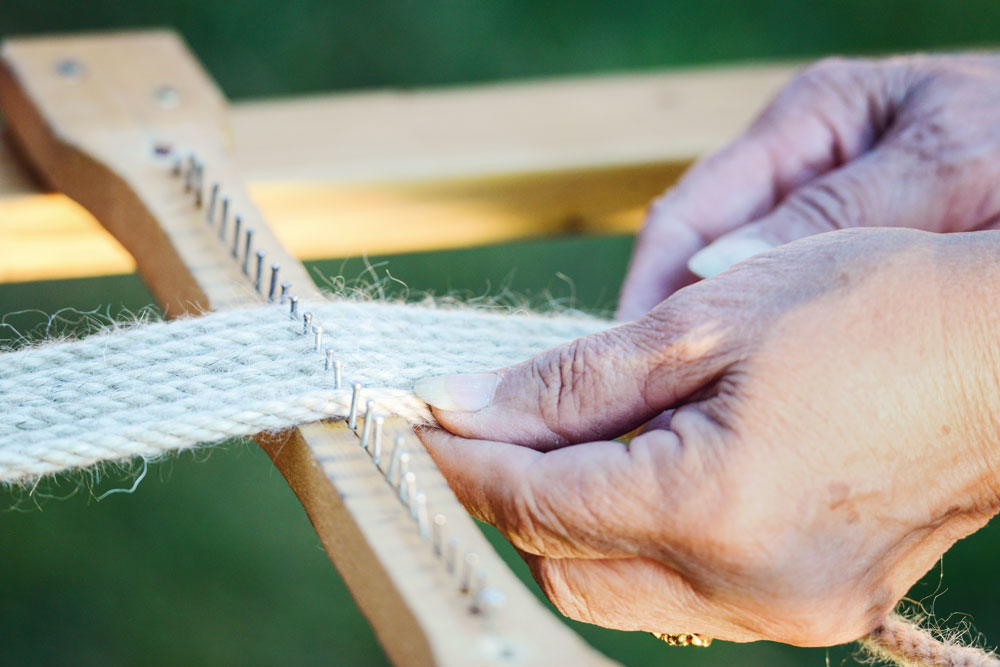 Huston hands weaving cinches