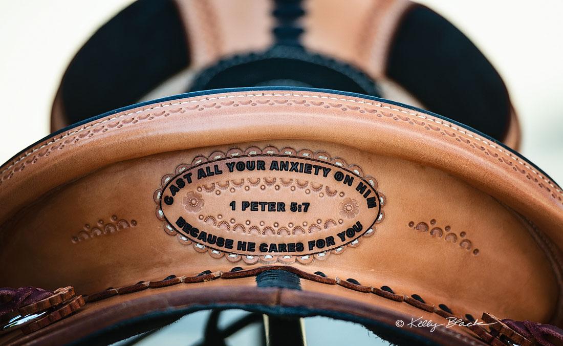 Detail soft saddle verse