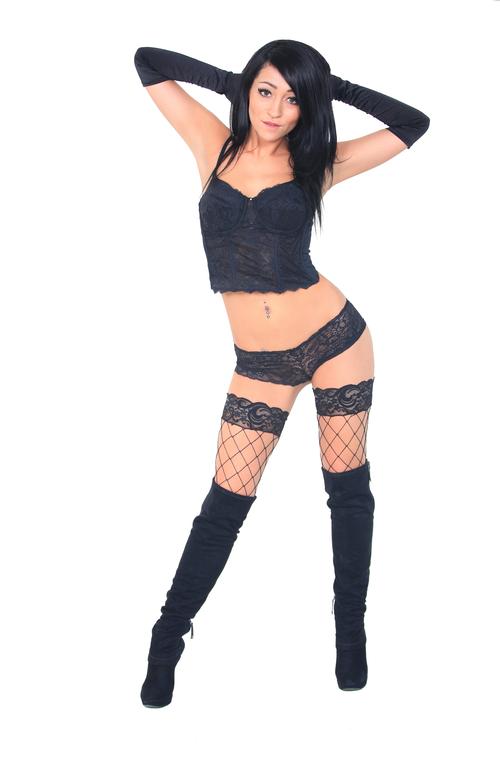 black_lingerie_beauty.png