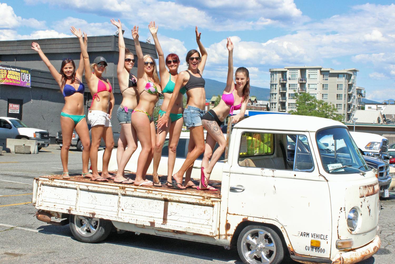 charitycarwashgirls.jpg