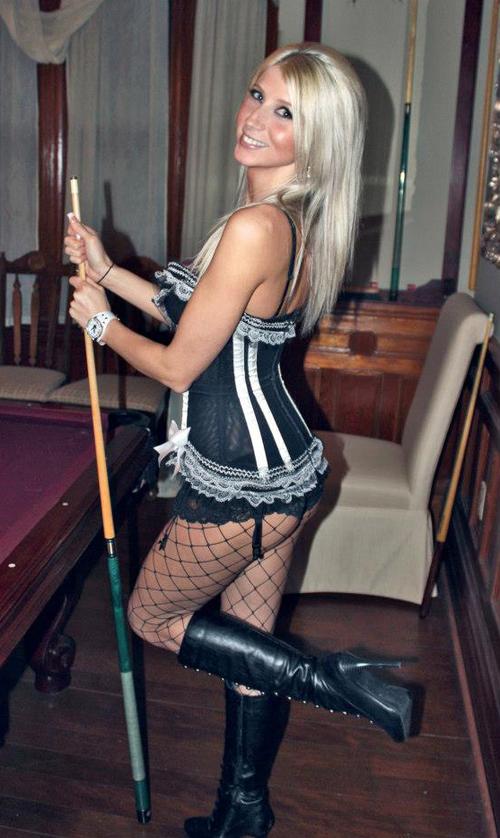 lingerie_blonde.jpg