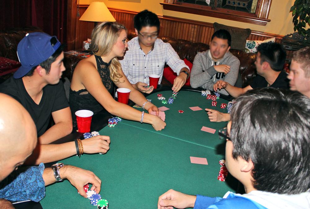 pokerdealing.jpg