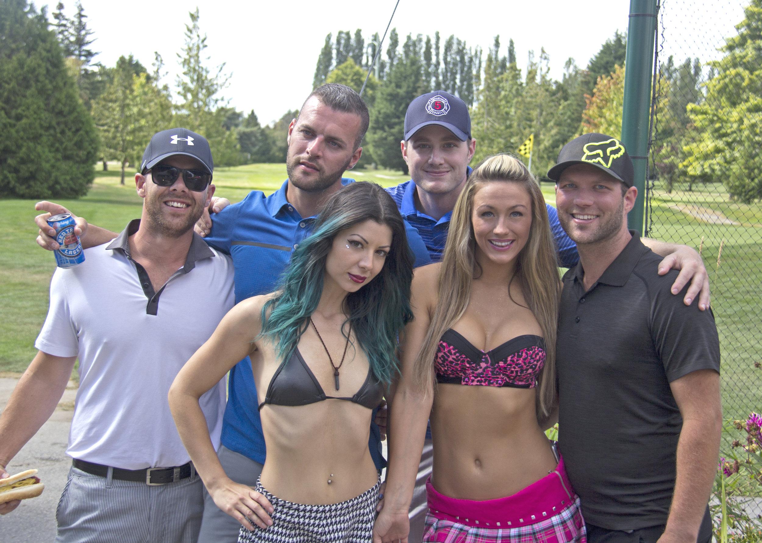 golf_caddies_babes.jpg
