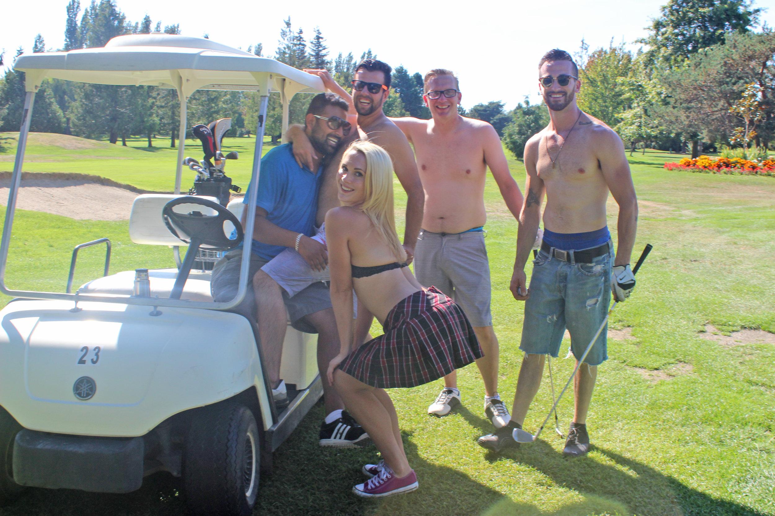 bikini_golf.jpg