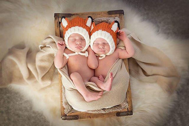 Sweet little Fall Boys. #twinnewbornphotography #kimrobbinsphotographer #twins
