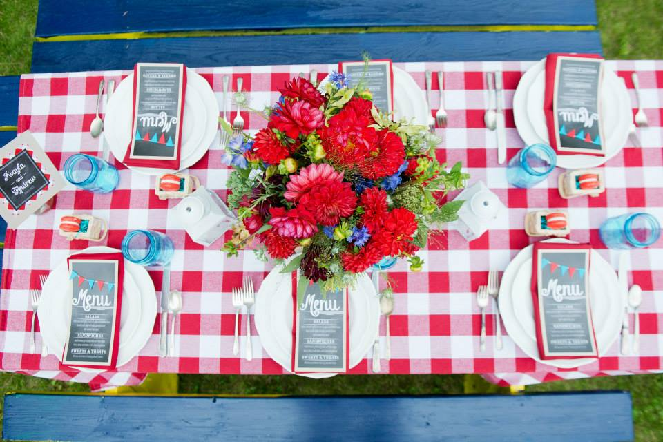 Everything-But-The-Ring-Picnic-Table-Checkered-Red-Menu-Cards-Blue-Mason-Jar.jpg