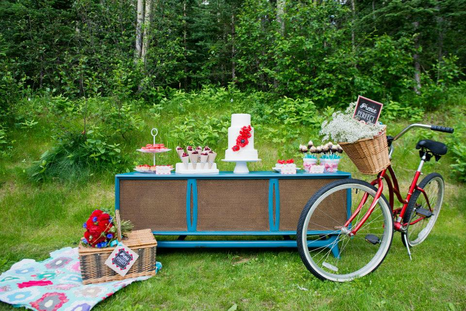 Everything-But-The-Ring-Picnic-Bicycle-Basket-Cake.jpg