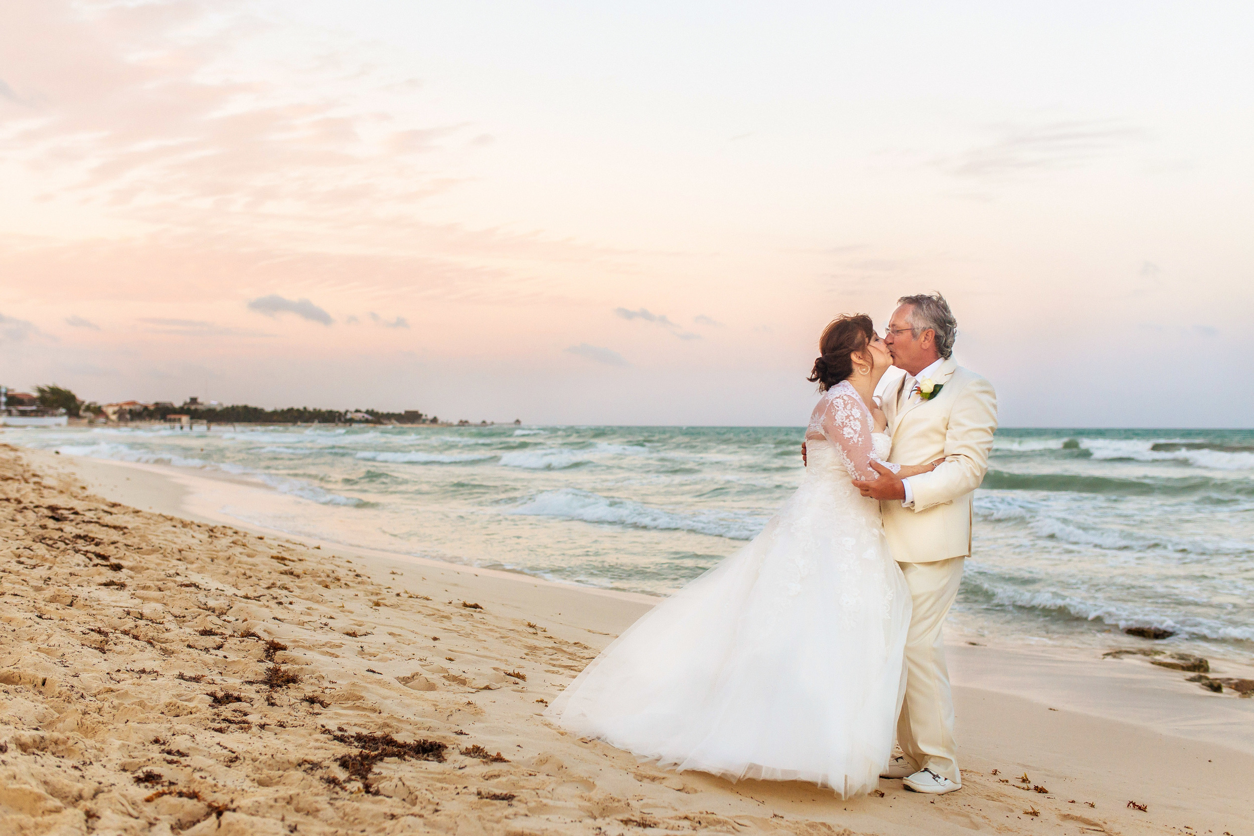 Iberostar-Paraiso-Lindo-Wedding-Photography-L&R_357.jpg