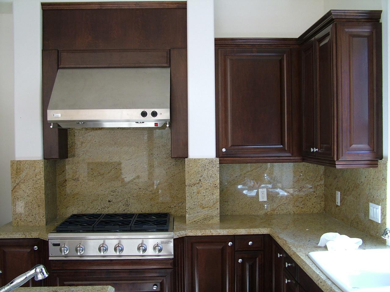 Custom Kitchens (7).jpg