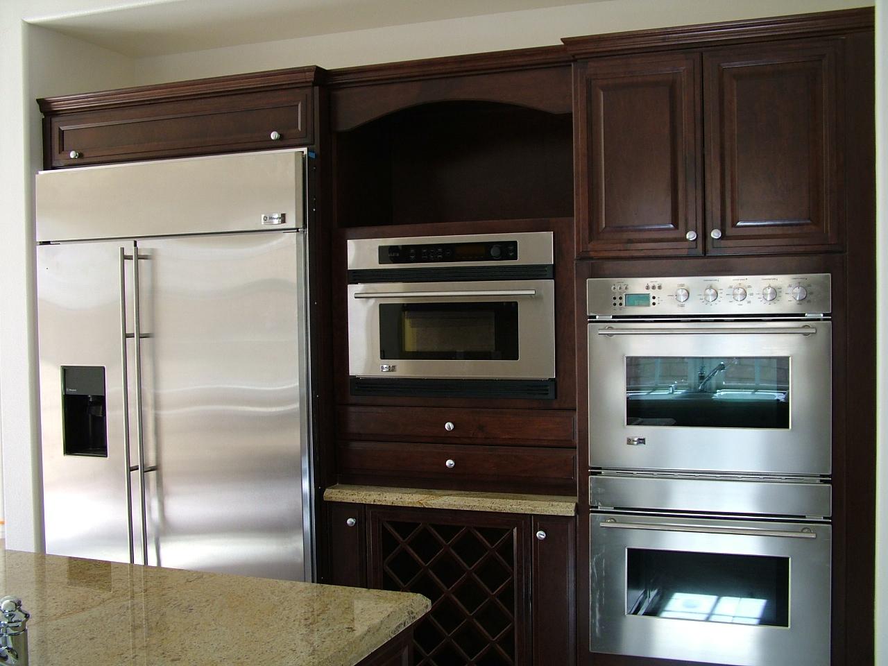 Custom Kitchens (6).jpg