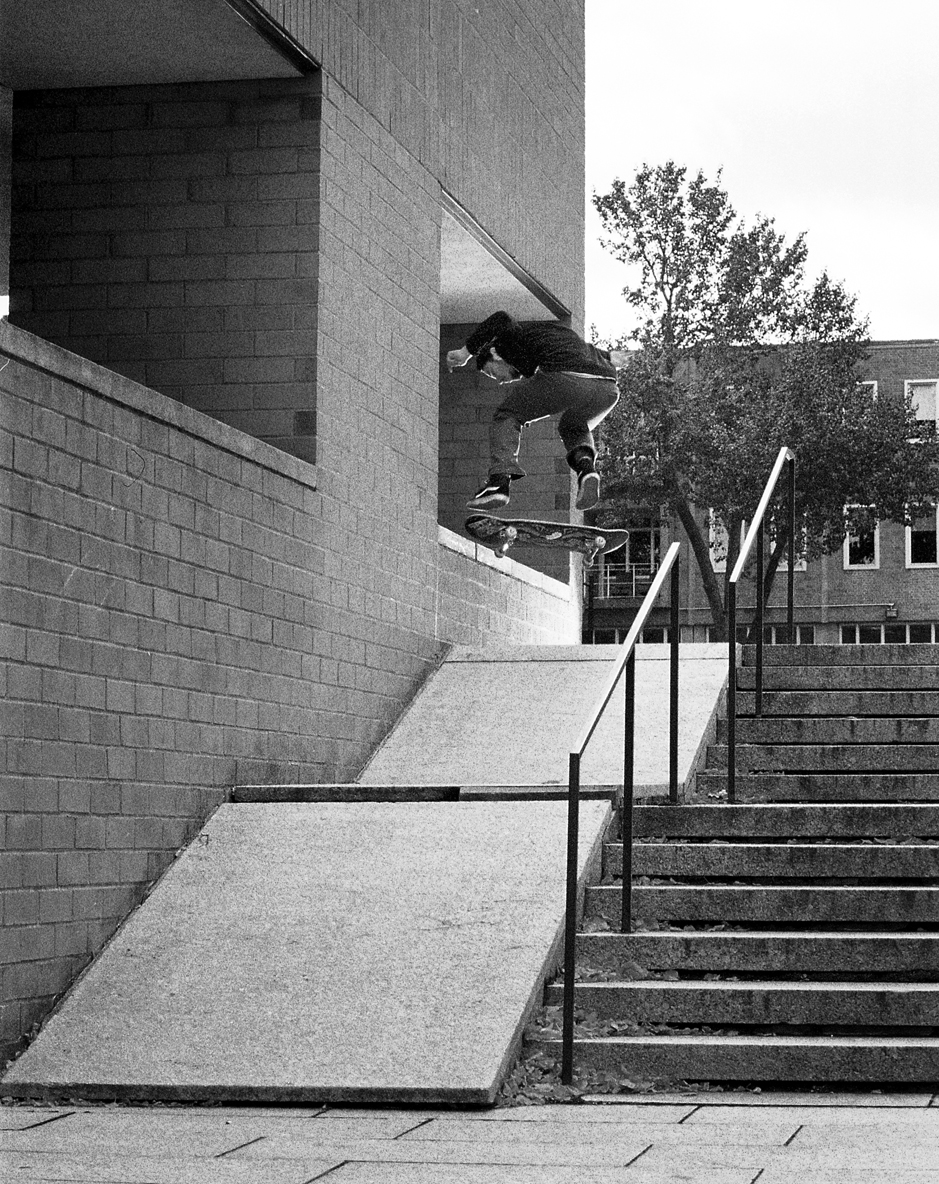 10.20.12-justin kf front nose fakie b+w.jpg