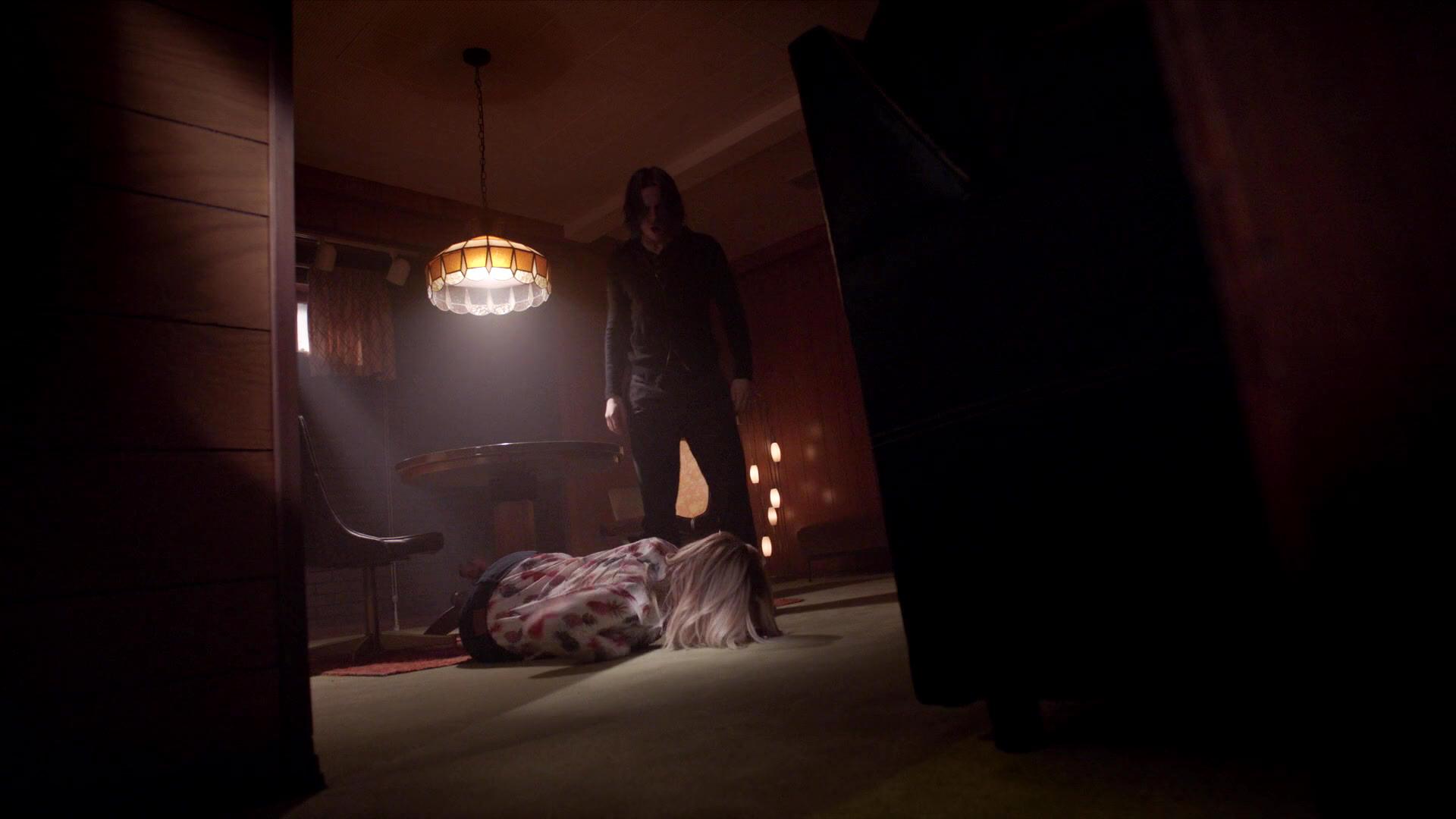 American_Horror_Story_S07E03_Neighbors_from_Hell_1080p_KISSTHEMGOODBYE_NET_1669-LRCC-v1.jpg