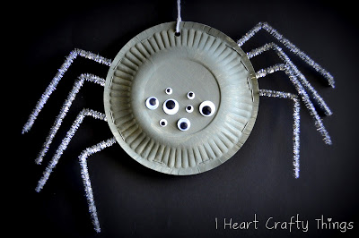 Paper Plate Spiders  at I Heart Crafty Things