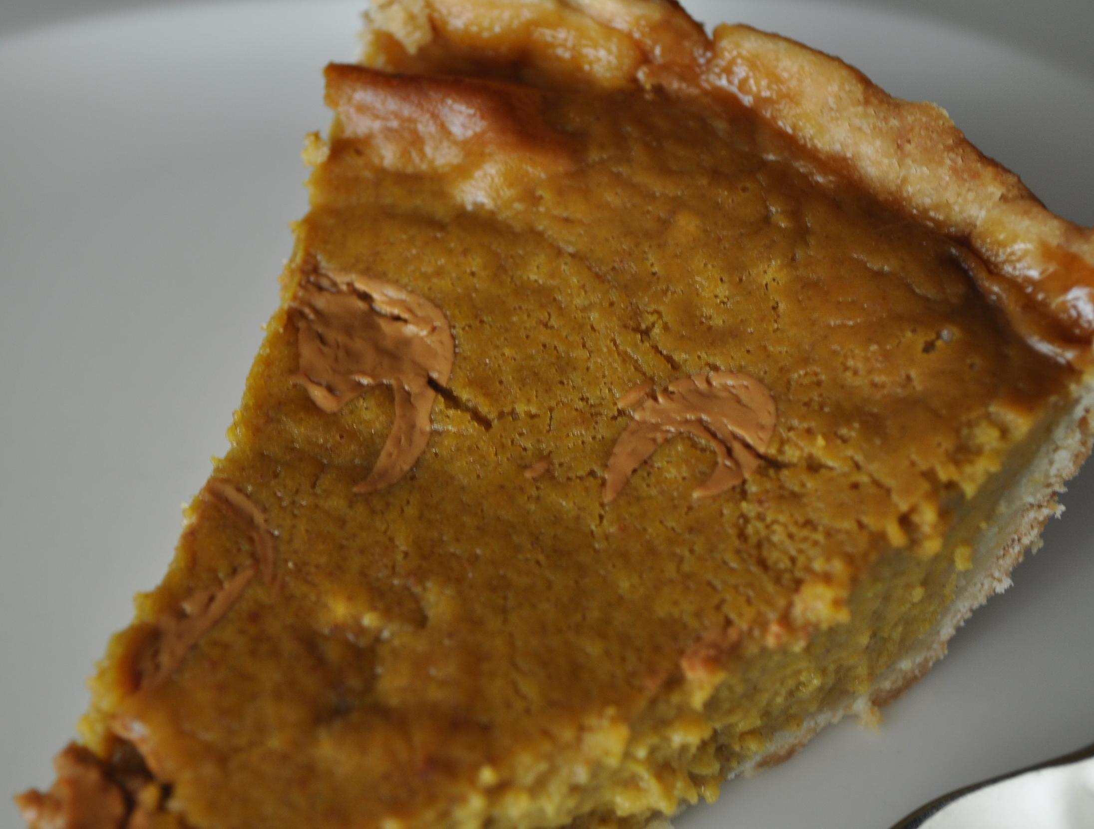 A close-up of the Dulce de Leche drizzles