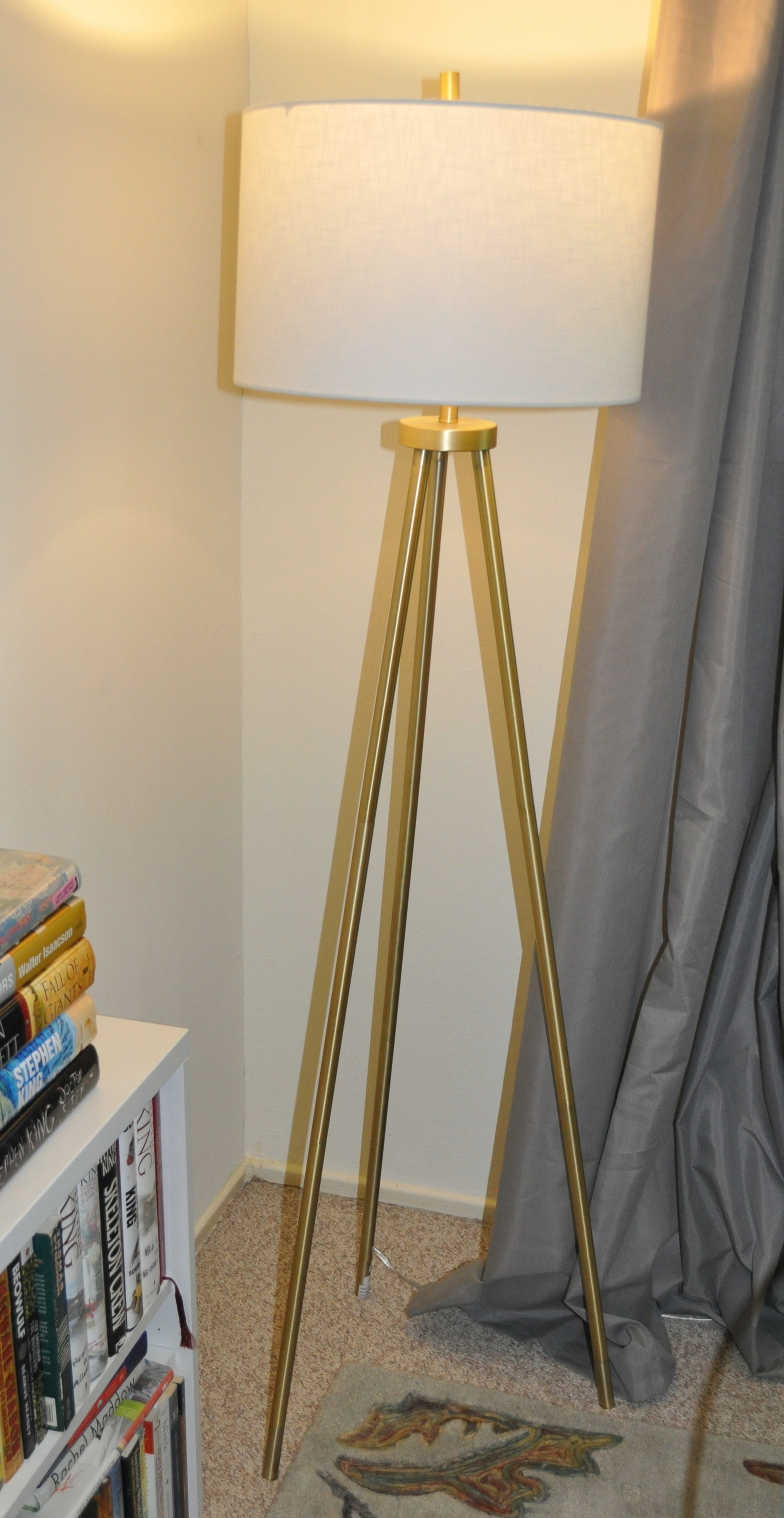 The new tripod lamp