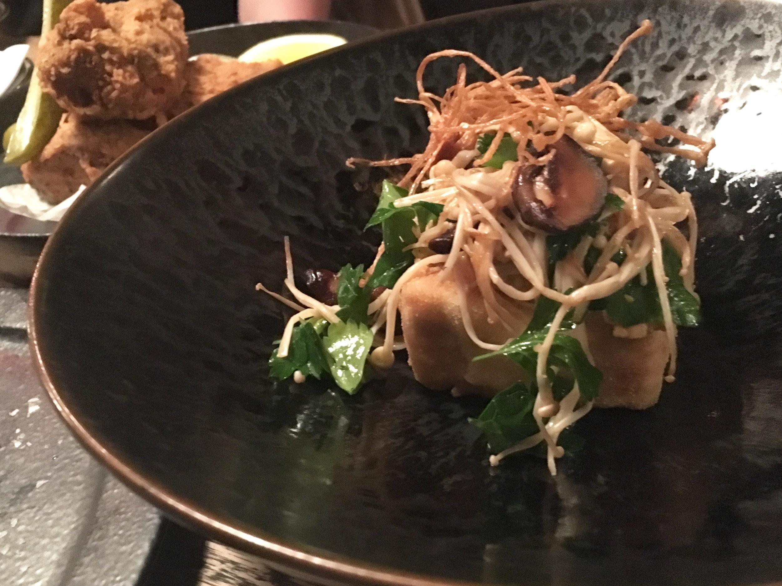 Marinated mushrooms with crispy tofu