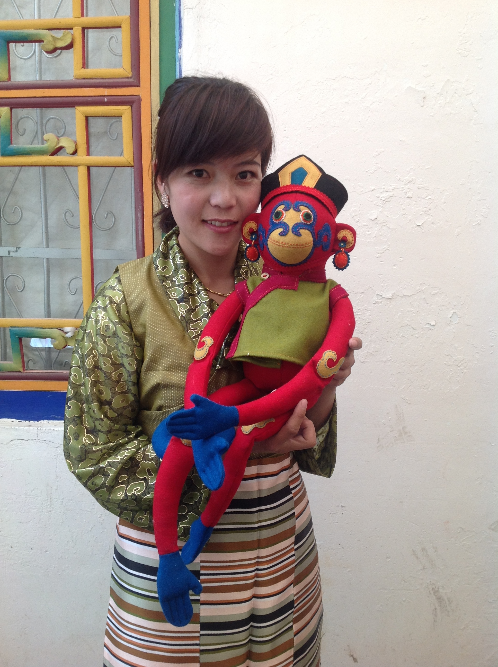 Lakhpen with the finished monkey