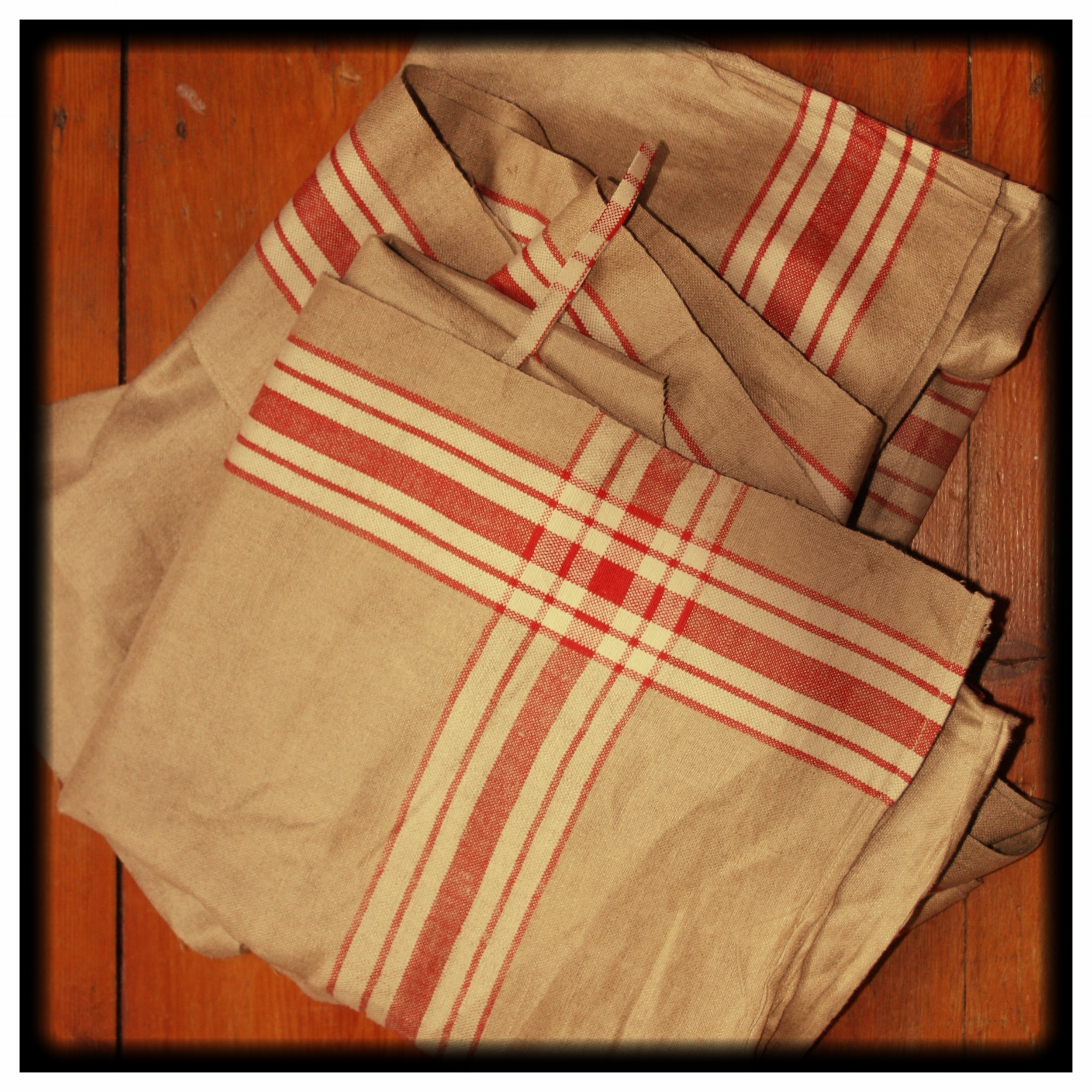 Antique Mangle Cloth