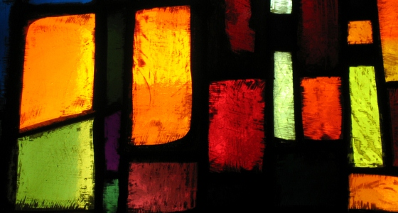 560px_stained_glass_window_file000281377593.jpg