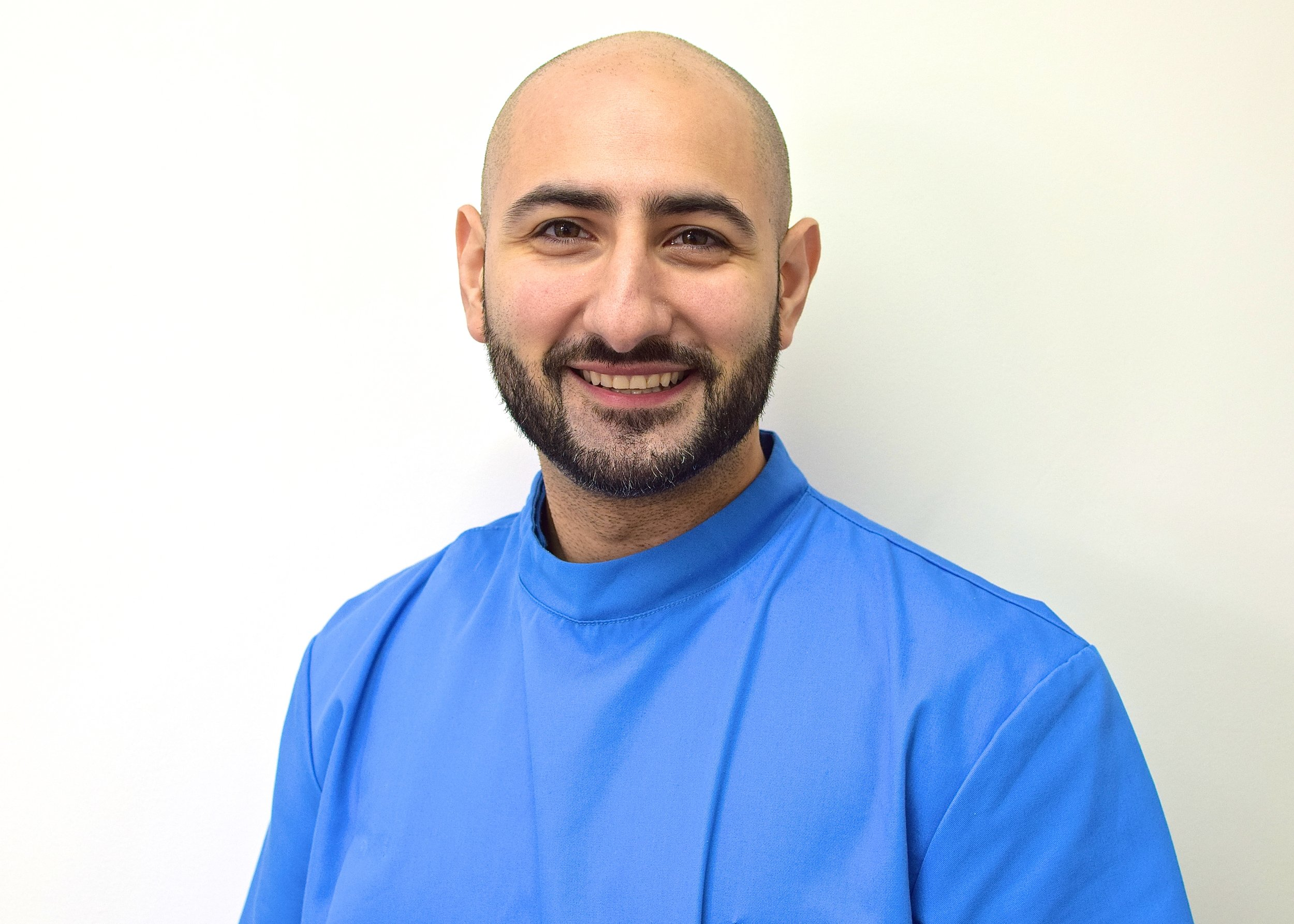 Video help - with Dr Milad Shadrooh - Watch here to get some online assistance from one of our key Smilelign providers.