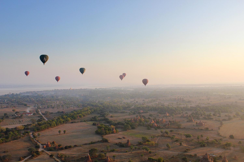 Intrepid-Travel-myanmar_burma_bagan_hot-air-balloons.jpg
