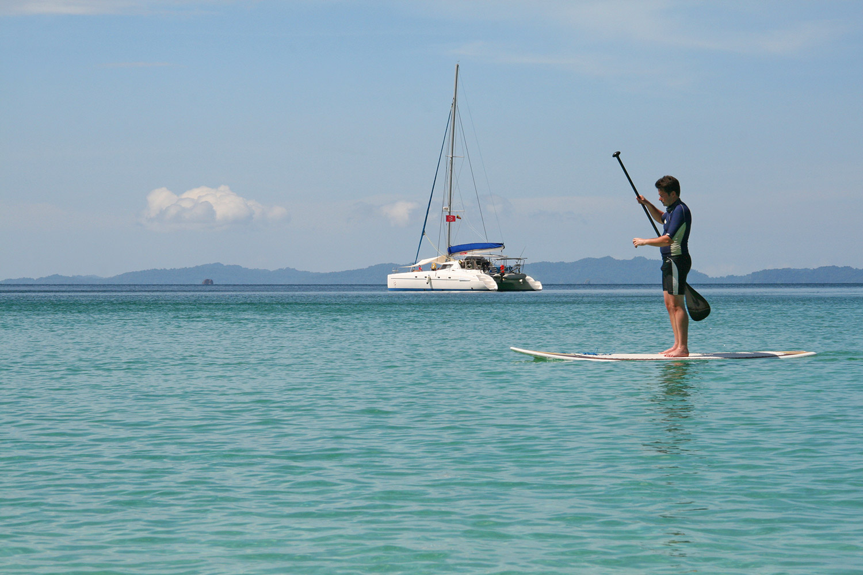 Intrepid-Travel-myanmar_sailing_paddle.jpg