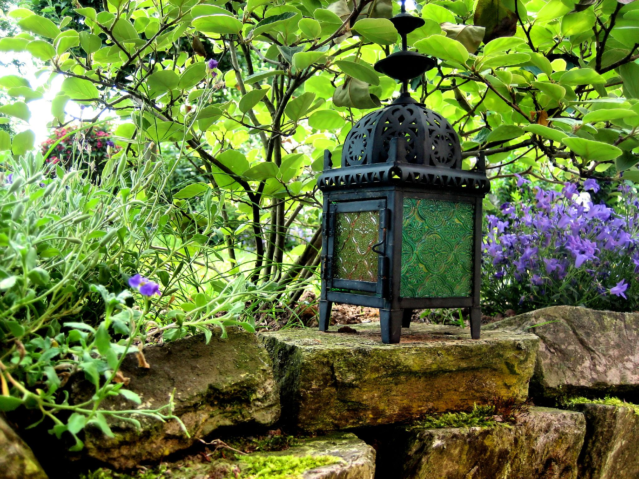 Garden lantern , via  lapideo  on flickr.