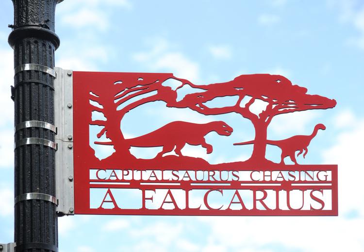 Capitalsaurus Chasing Falcarius
