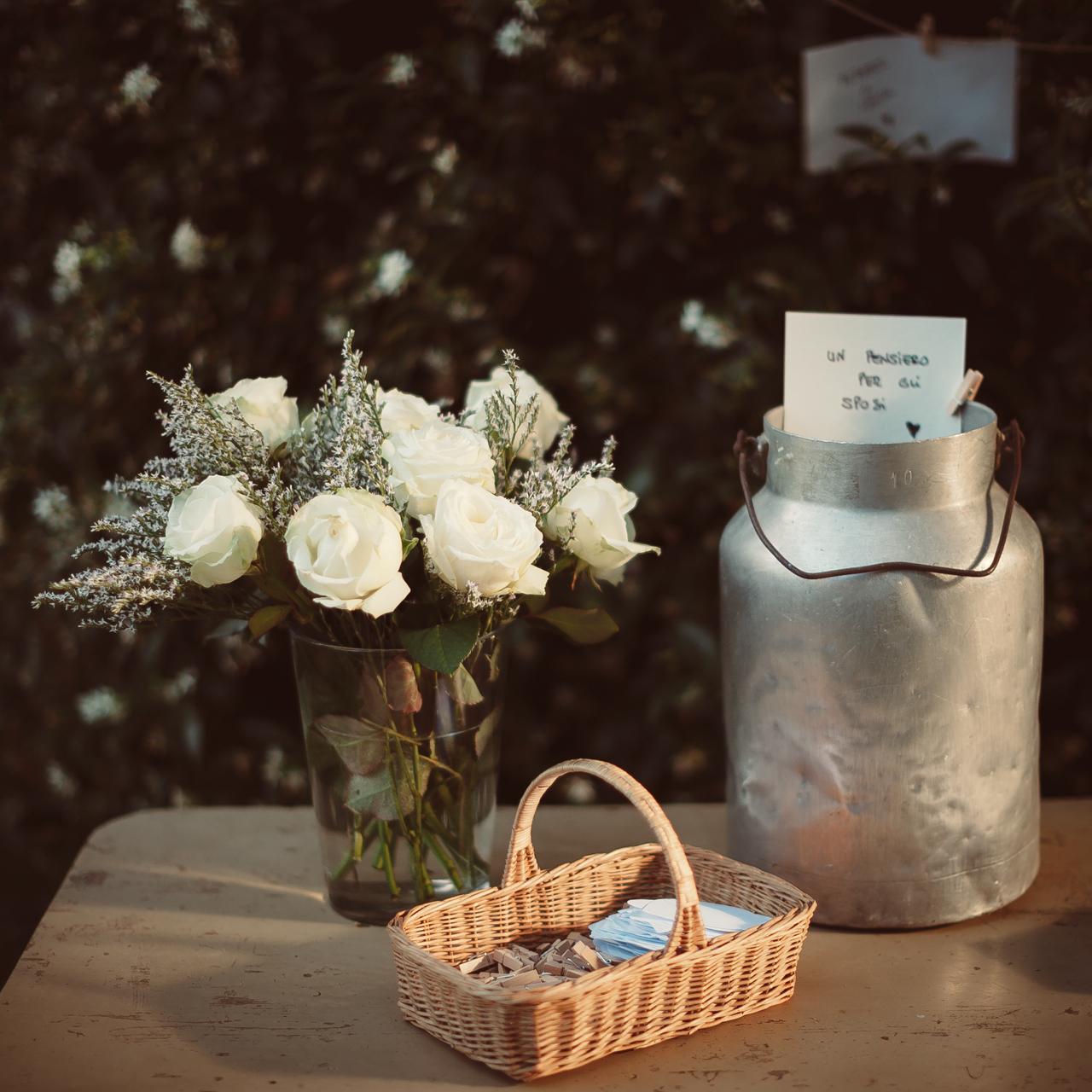 Rose e pensieri per gli sposi