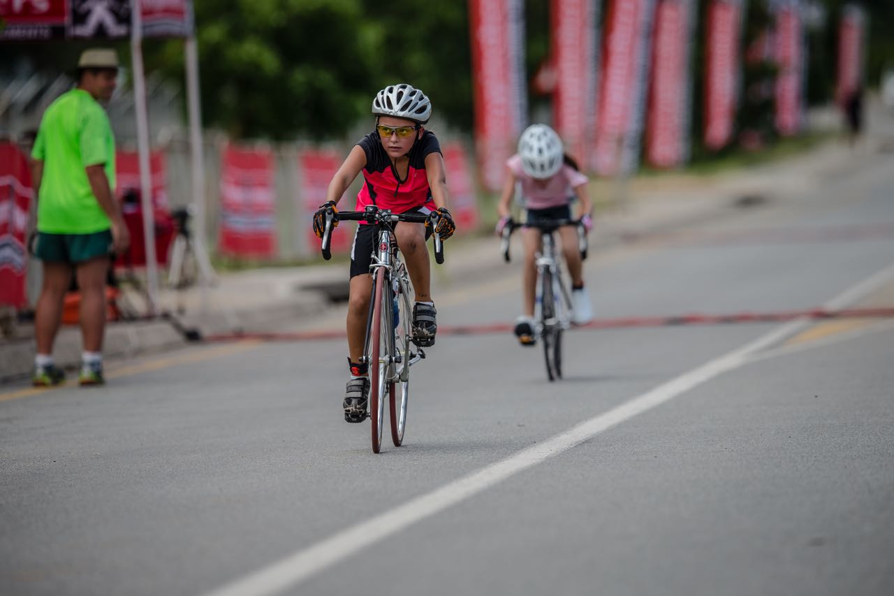 Young Kita Uys has been competing in BMX events since the age of four and a half, however she won the U10 Road Race in her first attempt on a road bikeatthe Pennypinchers 2015 South African Road, Time Trail, and Paracyling Championships. Photo:     craigdutton.com