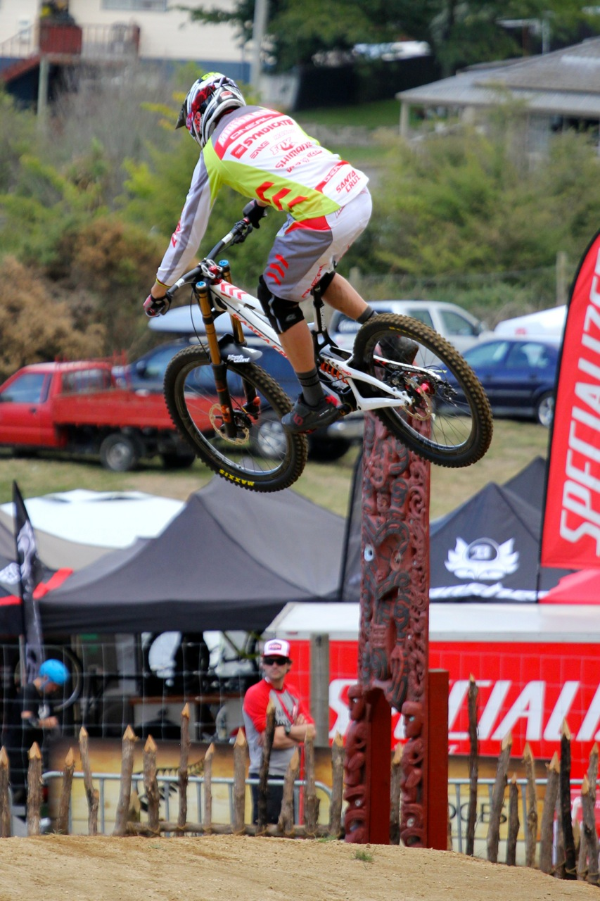 The Santa Cruz Syndicate rider recently suffered an injury to his hand during a DHI practice in New Zealand, but is eager to race in the World Cup this coming weekend.    Photo: Kathy Sessler/Satna Cruz Syndicate.