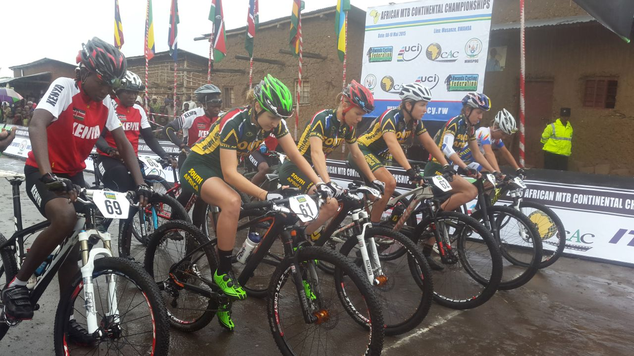 The Elite Women'sstart lineat the 2015 African Mountain BikeContinentalChampionships, which took place in Musanze, Rwanda from 8-10 May. Photo: Supplied