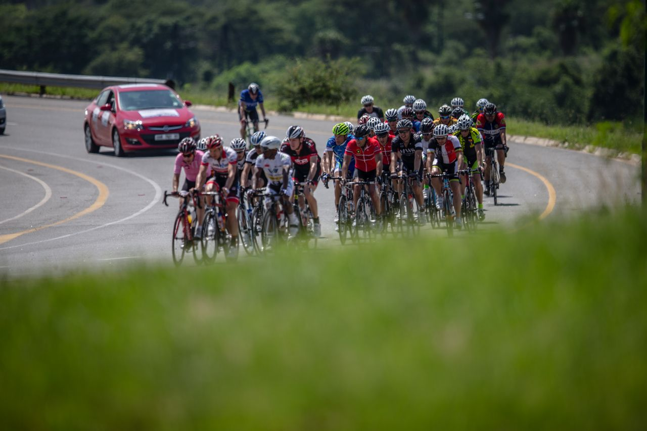 Entries are now open for the 2016 South African Road, Time Trial and Para-cycling Championships which take place in KZN from 10 - 14 February. Photo: Craig Dutton / pics2go.co.za