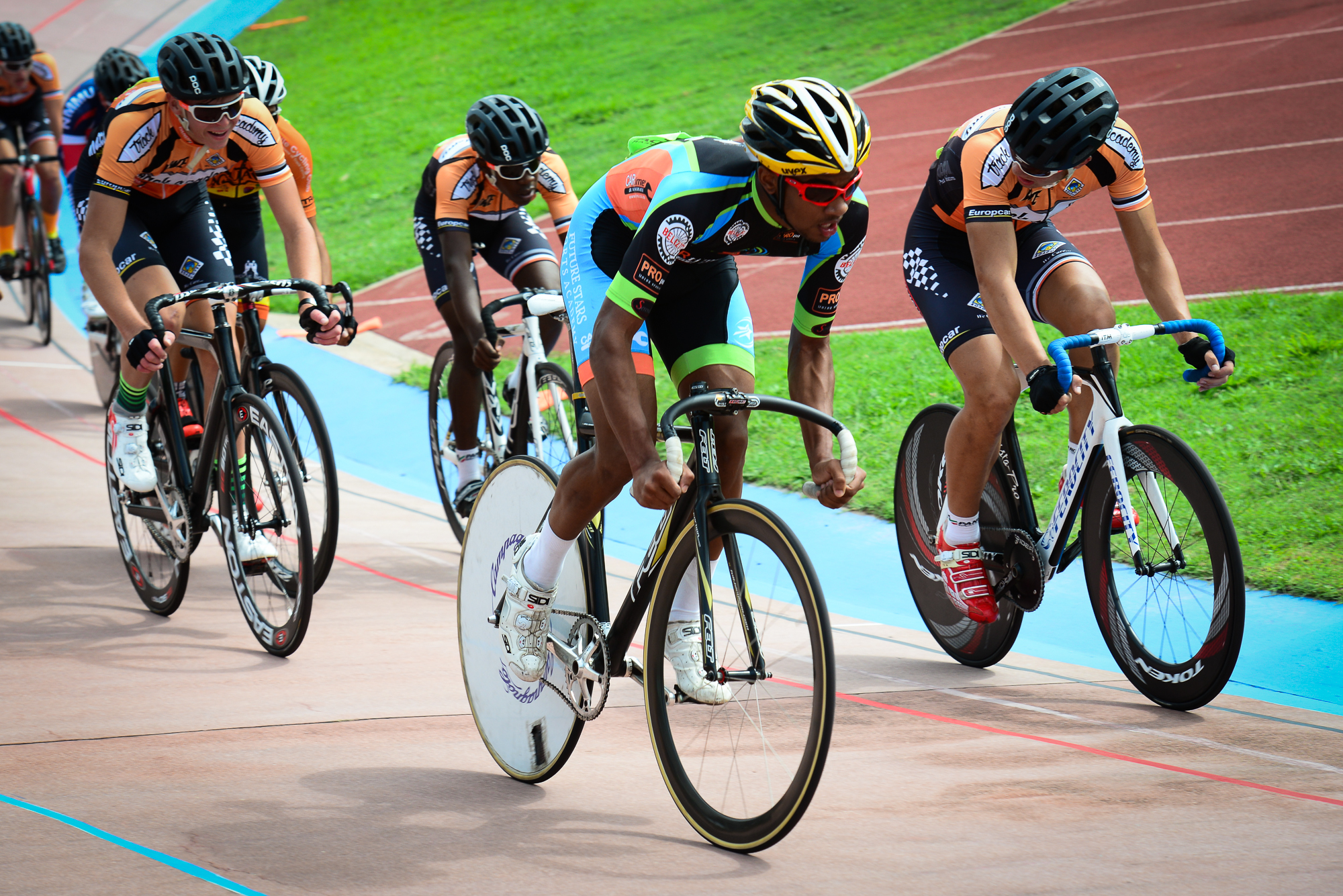 Racing action in the Junior Men's Points race on day four of the 2016 South African Track and Para-cycling Championships at the Westbourne Oval in Port Elizabeth on Thursday 31 March. Photo credit: Darren Goddard