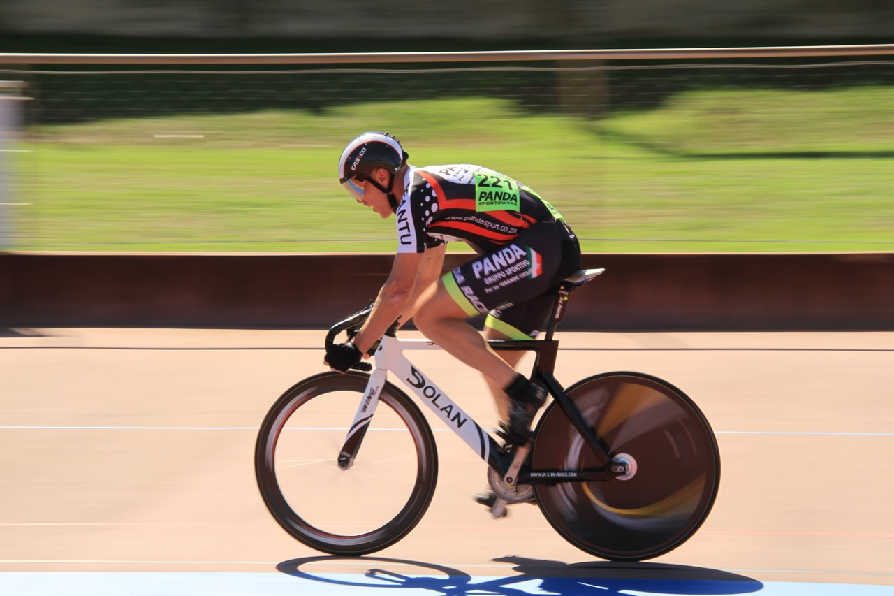 Timothy Abbot clocked the second fastest time in the Flying lap 250m in the Masters 45+ class on day one of the 2016 South African Omnium Championships at the Westbourne Oval in Port Elizabeth on Saturday 2 April. Photo credit: Mylene Paynter