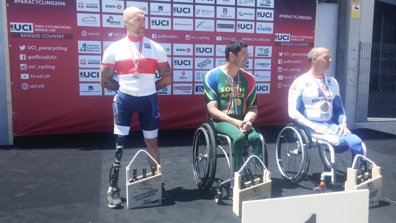 Adding to the brace of gold medals won by his two teammates, Ernst van Dyk also won gold for his Time Trial performance, making it three-out–of-three for the South African team at the UCI Para-cycling Road World Cup, hosted by the Basque Country, Spain. Photo: supplied