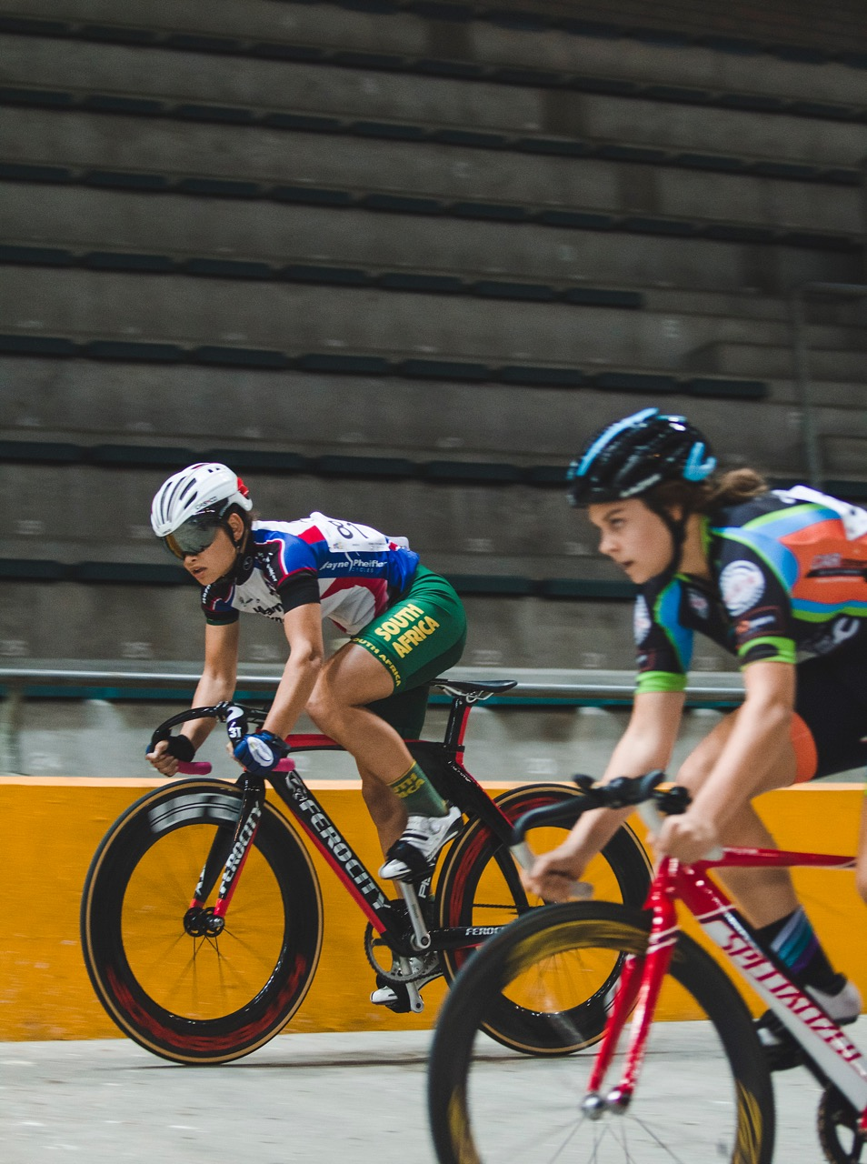 Jessica Brown (left) and Courtney Smith broke the Junior Women's Team Sprint Record at the 2017 SA National Championships in the Western Cape on Thursday 6 April. Photo: DoubleST